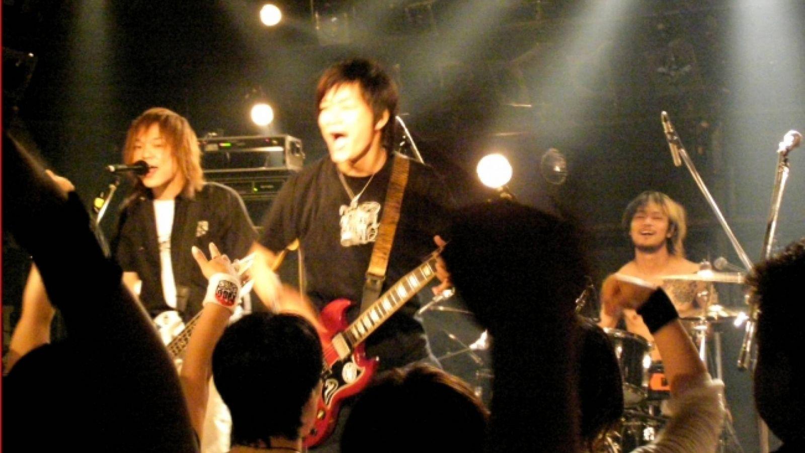 Relacja z koncertu BEE-315 w Yokohama CLUB 24 © Tricycle ENTERTAINMENT Inc.