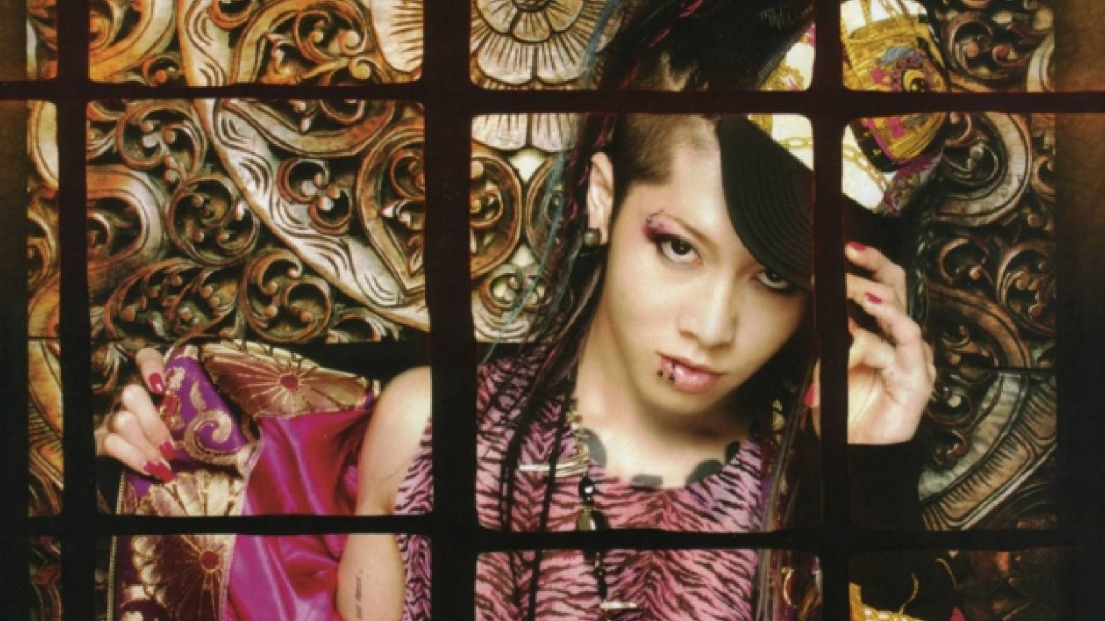 Zy 37: Miyavi © 2007 Zy.connection Inc. All Rights Reserved.