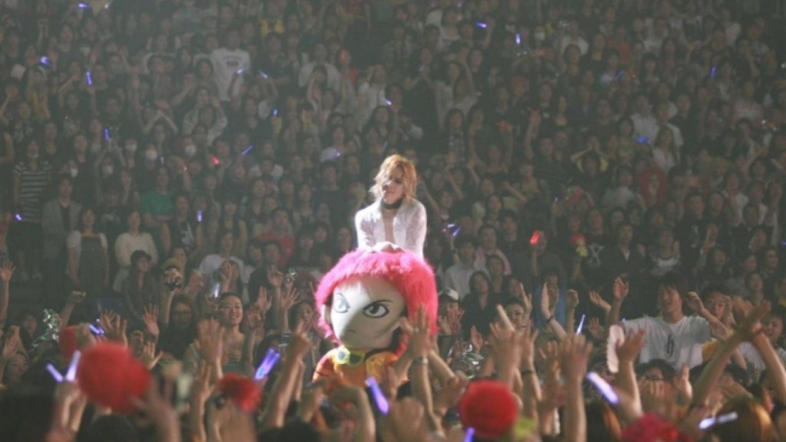X JAPAN WORLD TOUR Live in TOKYO ~Continues the Attack~ ©  X Japan Production Management Committee