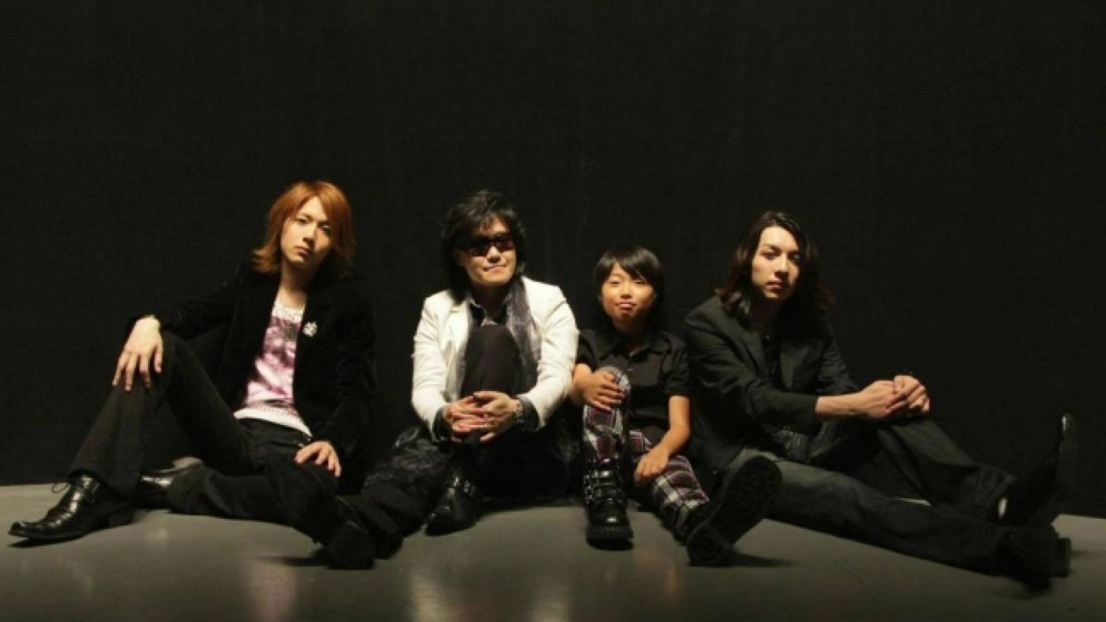 TOSHI with T-EARTH © Healing World Co., Ltd.