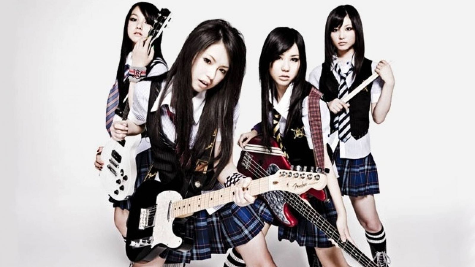 New Album from SCANDAL © EPIC Records Japan Inc.