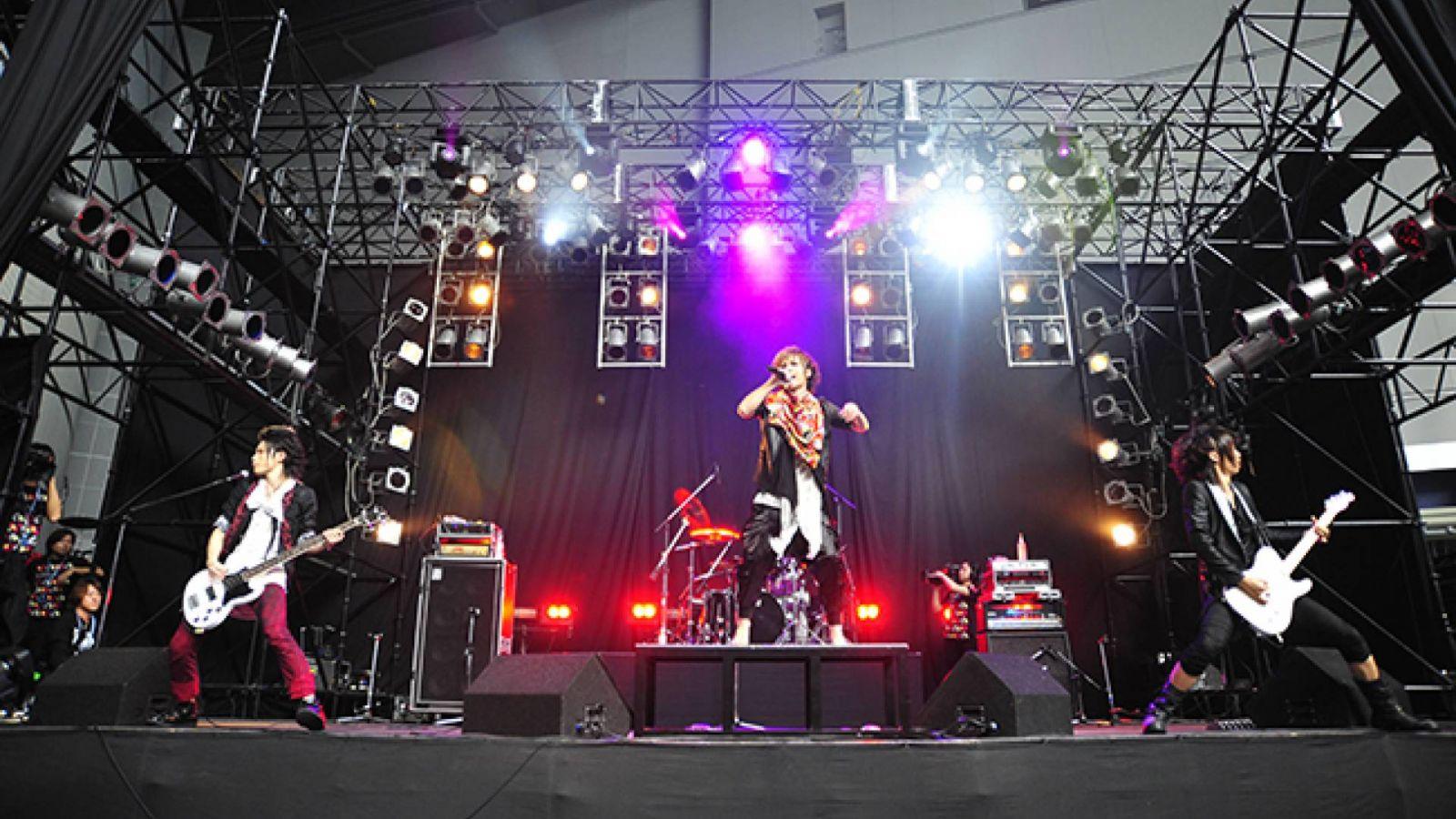 V-ROCK FESTIVAL 2011 —— 白与虹之舞台 © V-ROCK FESTIVAL 2011