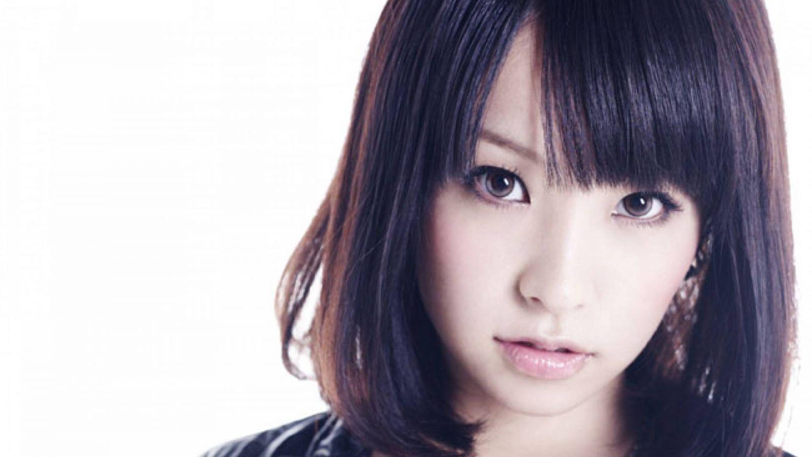 Поздравляем с праздниками: LiSA © Sony Music Entertainment (Japan) Inc