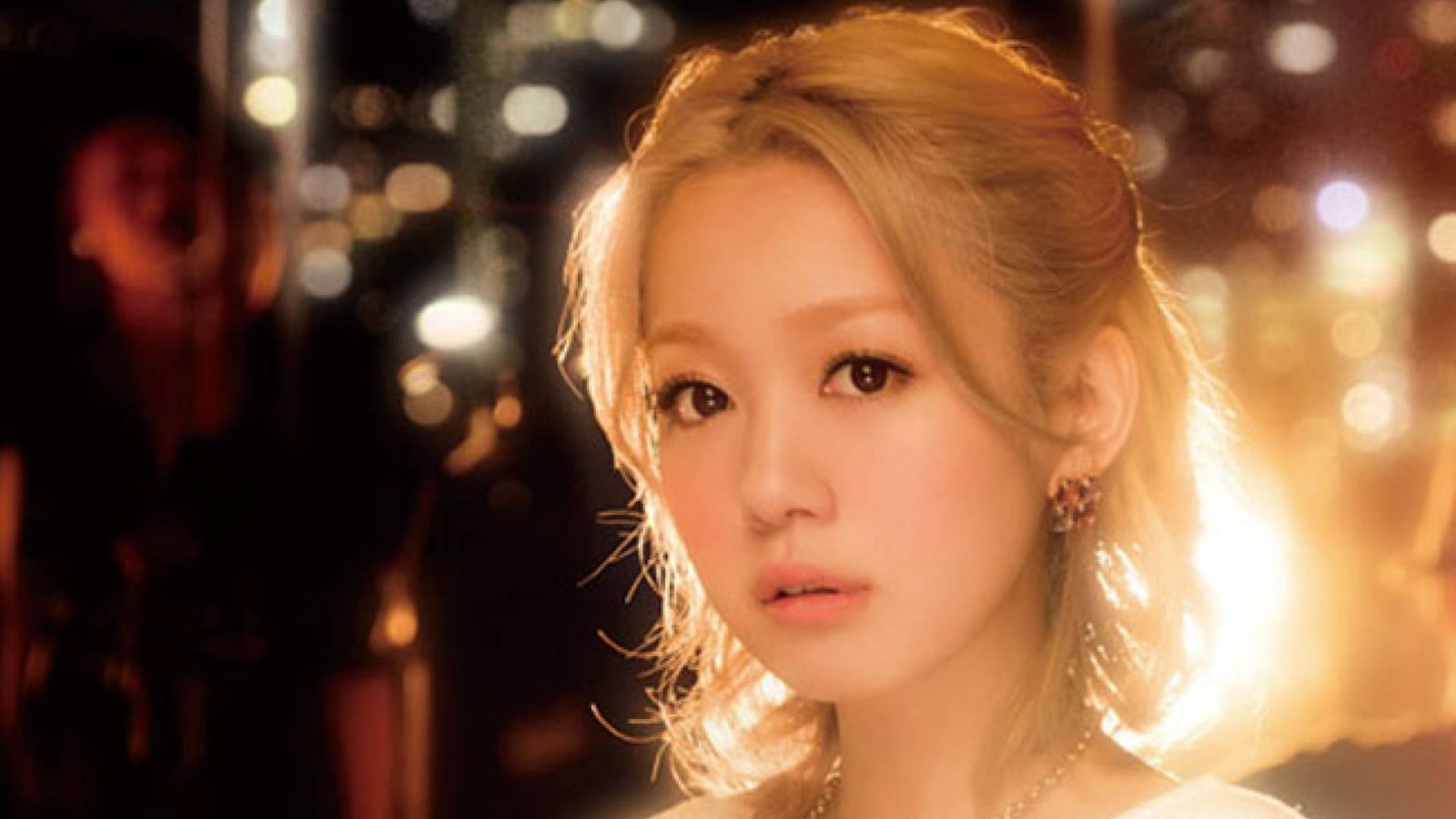 Nishino Kana © 2013 SME Records Inc. Provided by E-TALENTBANK.