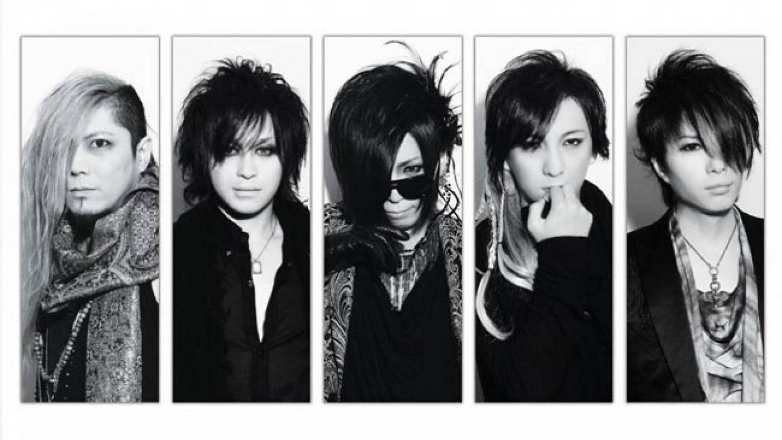 Happy Anniversary from THE MICRO HEAD 4N'S © Massive One Inc. THE MICRO HEAD 4N'S All Rights Reserved