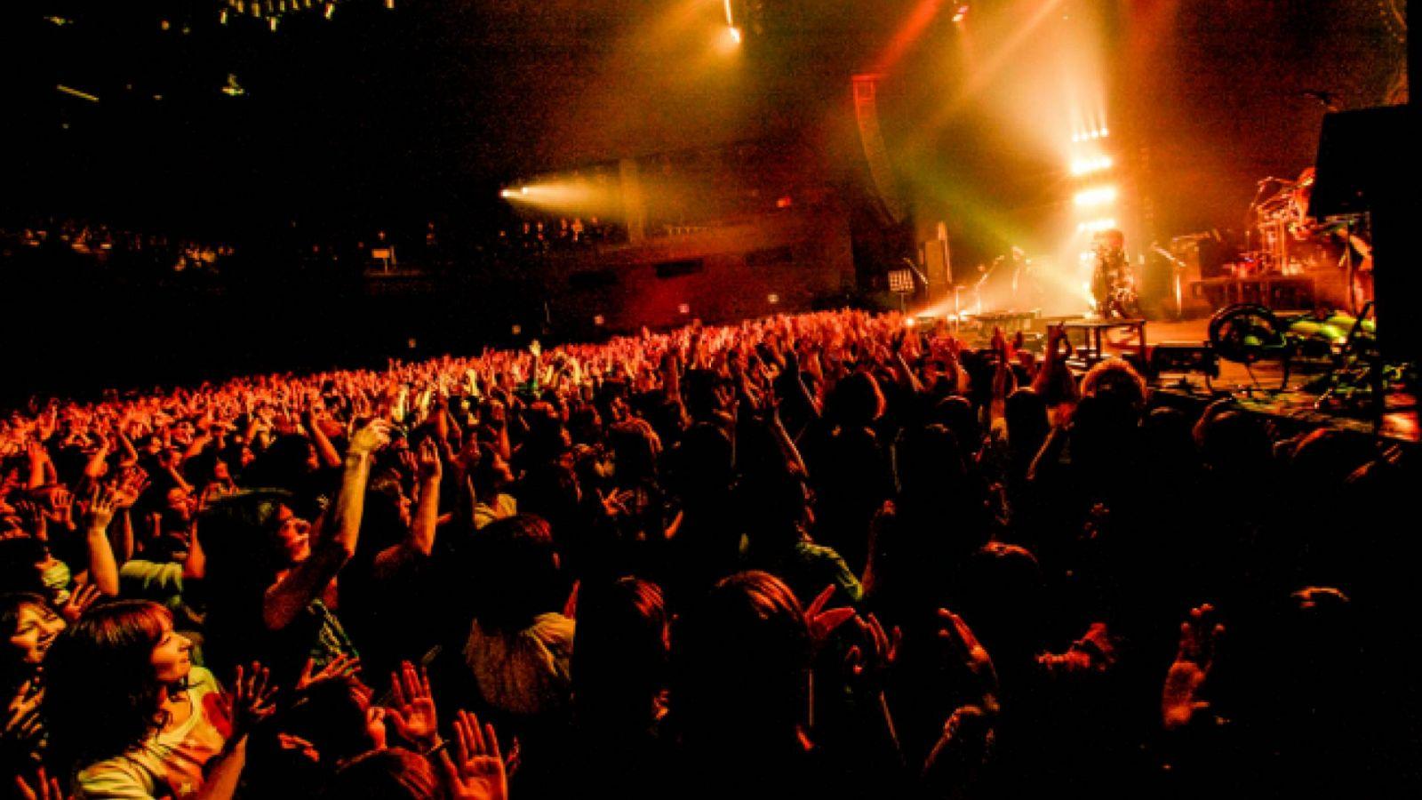 O show exclusivo do the GazettE para seu fã-clube no Zepp Tokyo © The GazettE