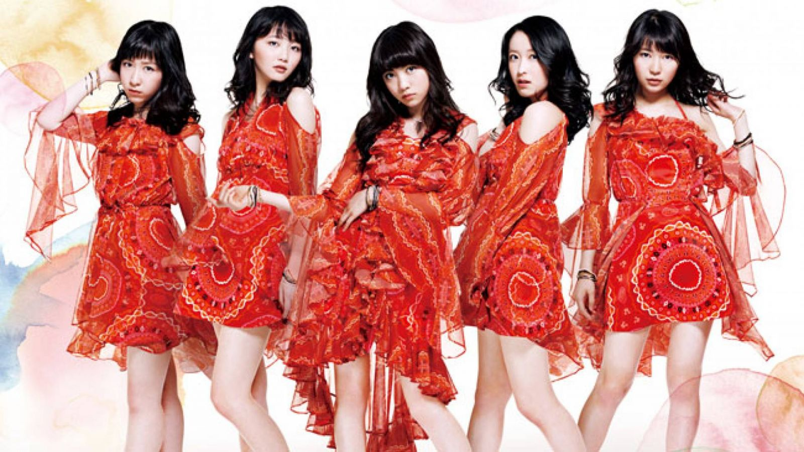 KONISHI AYANO deixa o TOKYO GIRLS' STYLE. © TOKYO GIRLS' STYLE