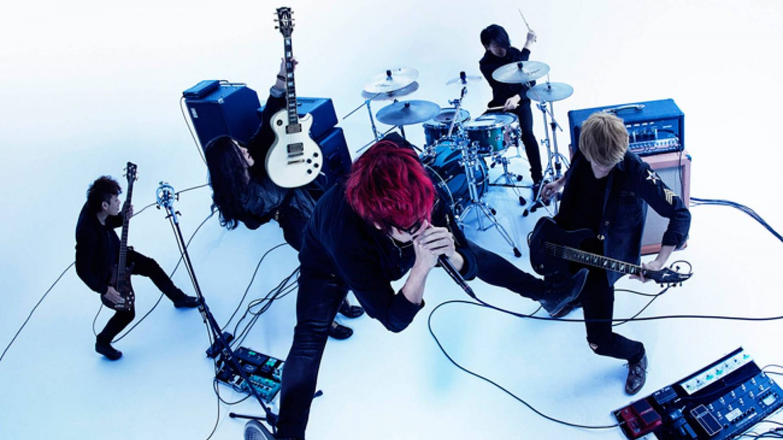 a crowd of rebellion © 2015 Warner Music Japan Inc. All rights reserved.