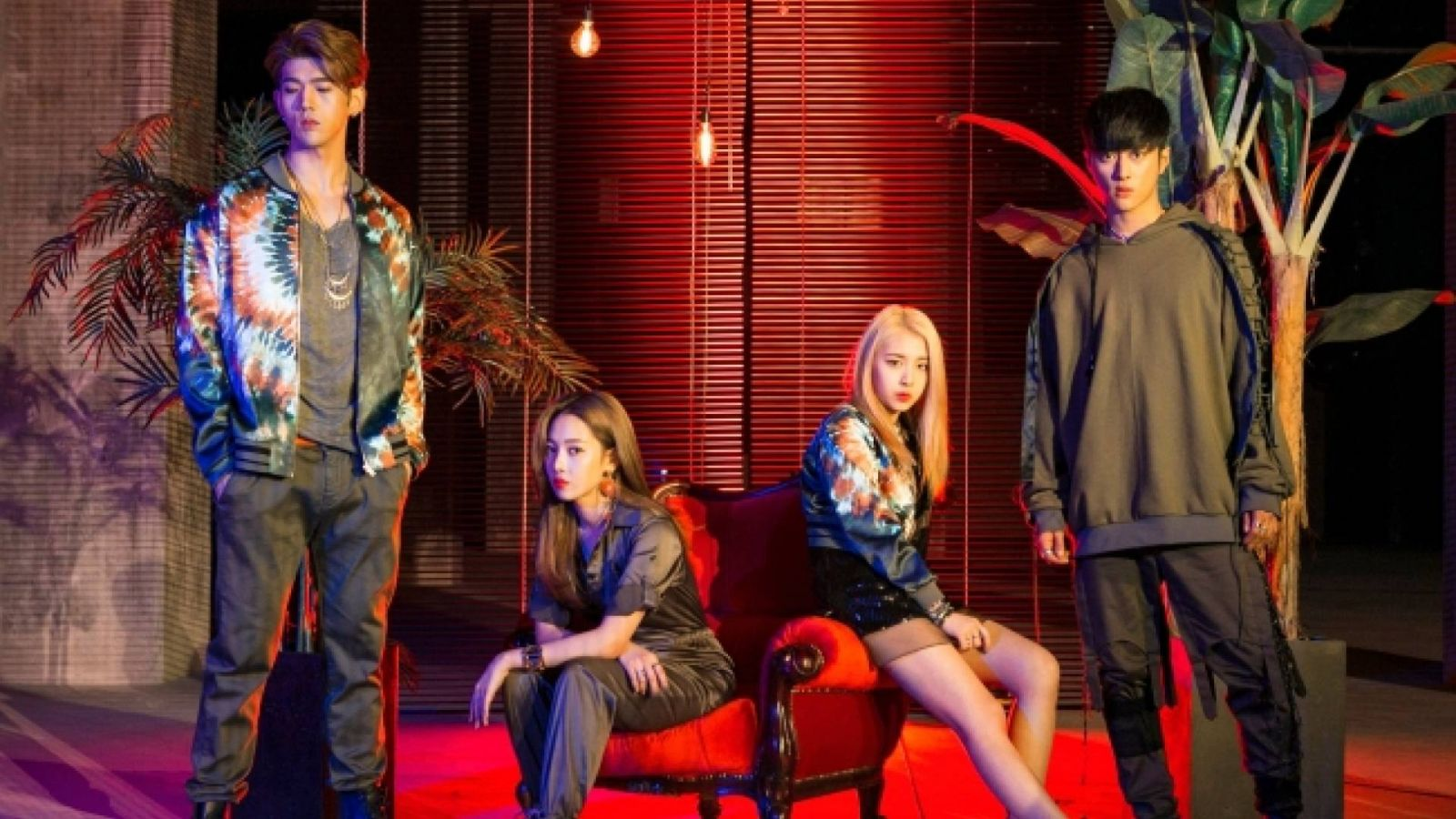 KARD © KARD. All Rights Reserved.