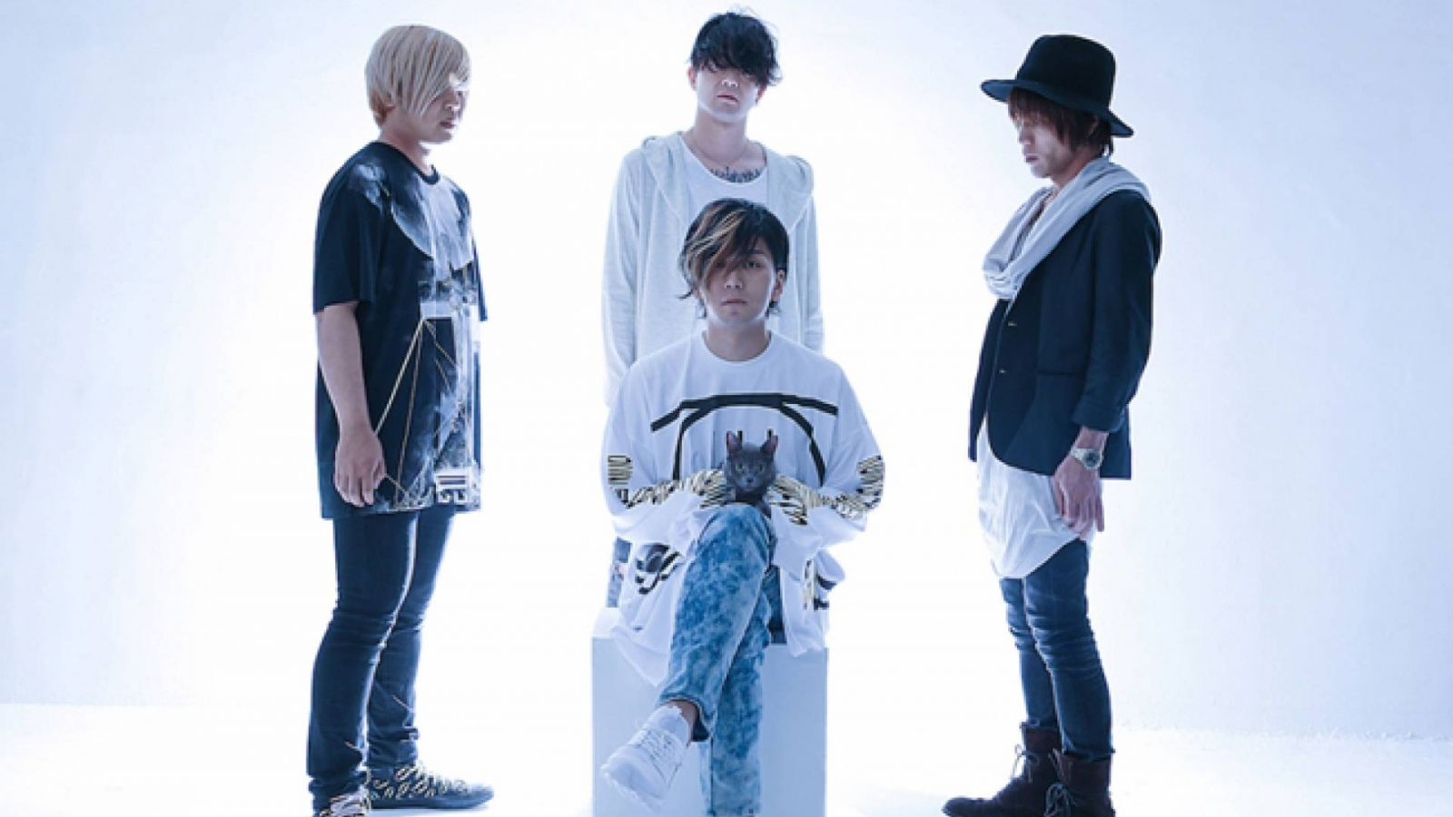 New Single from SILHOUETTE FROM THE SKYLIT © SILHOUETTE FROM THE SKYLIT
