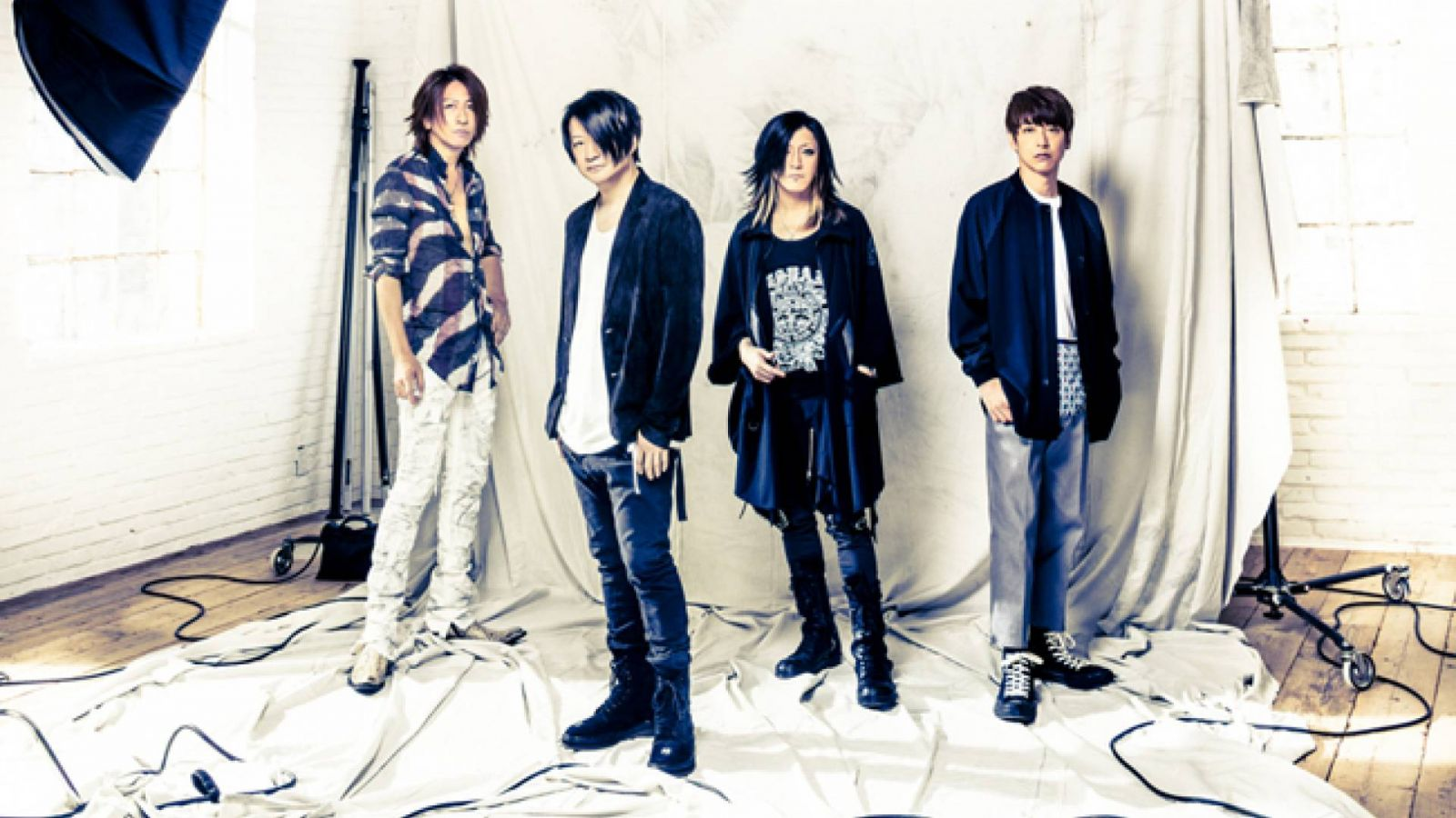 Nuevo single de GLAY © LSG. All rights reserved.