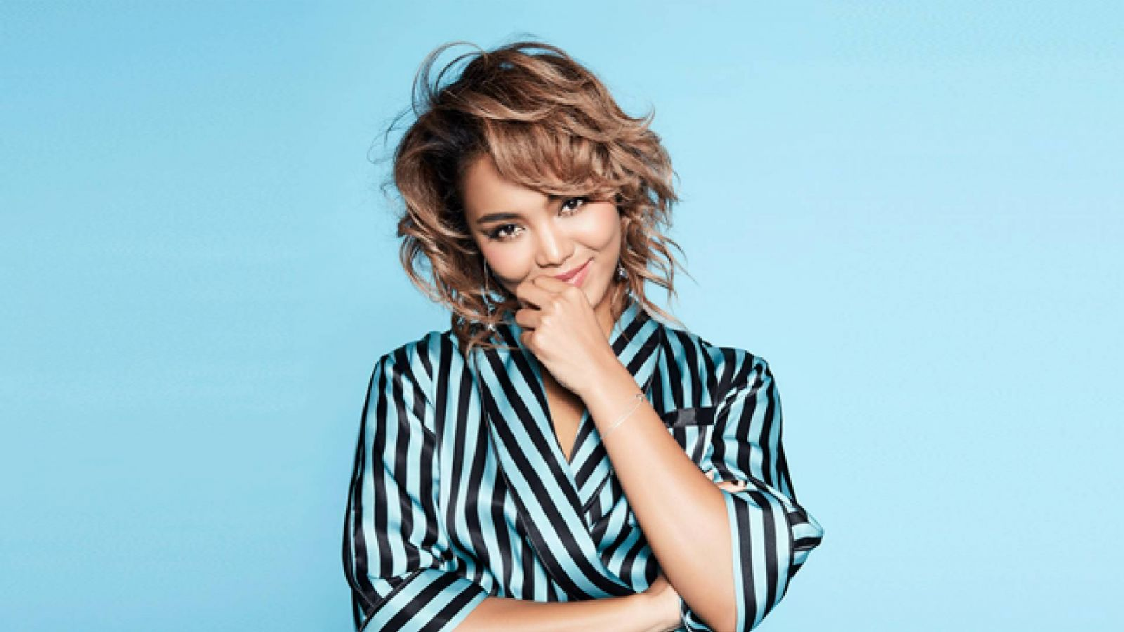 Crystal Kay © 2018 UNIVERSAL MUSIC LLC. All rights reserved.