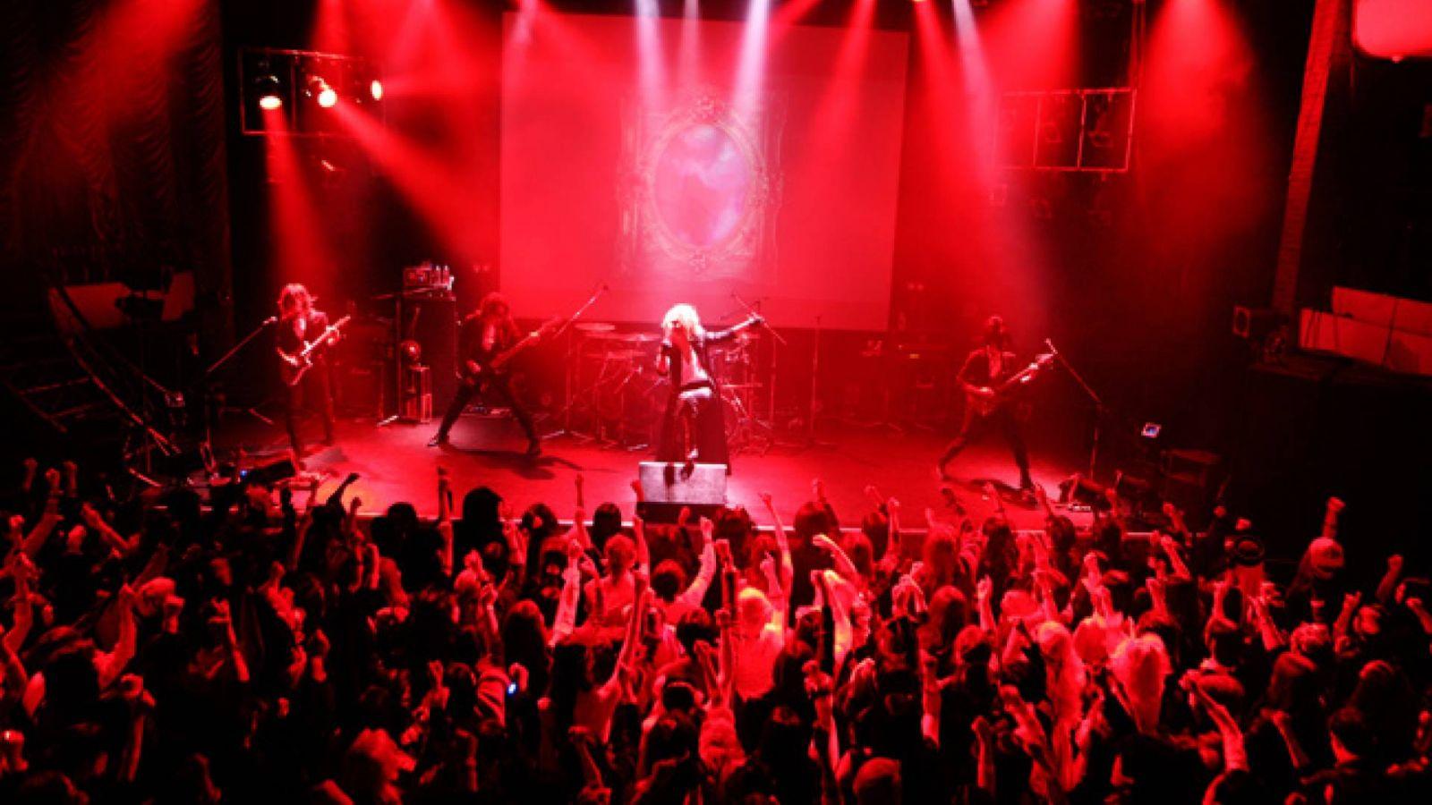 "KAMIJO ""MASQUERADE"" at DANCE HALL Shinseiki and Tokyo Kinema Club © Takaaki Henmi"