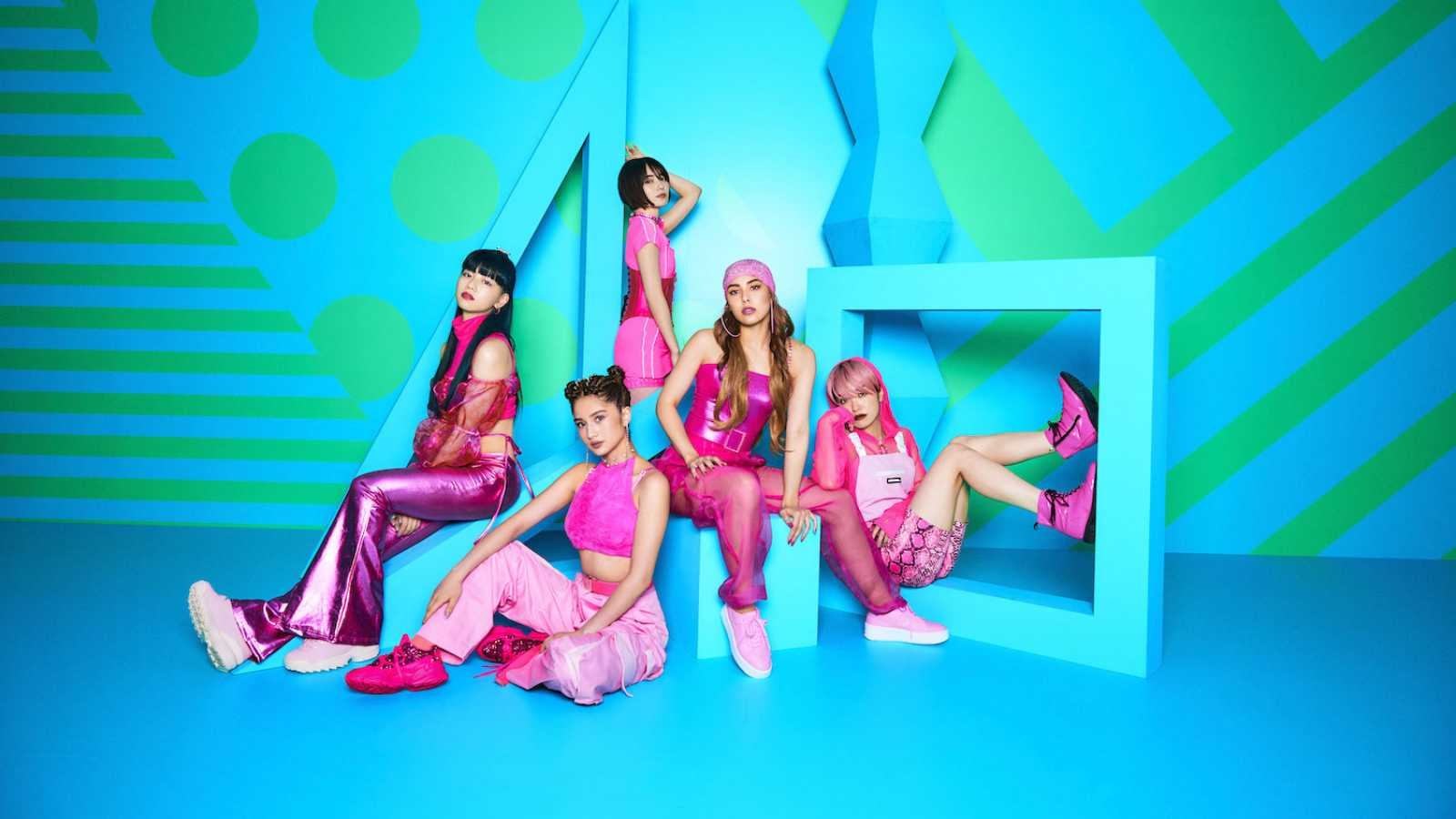 "FAKY lanza su video de baile para ""GIRLS GOTTA LIVE"" © avex music creative Inc. All rights reserved."