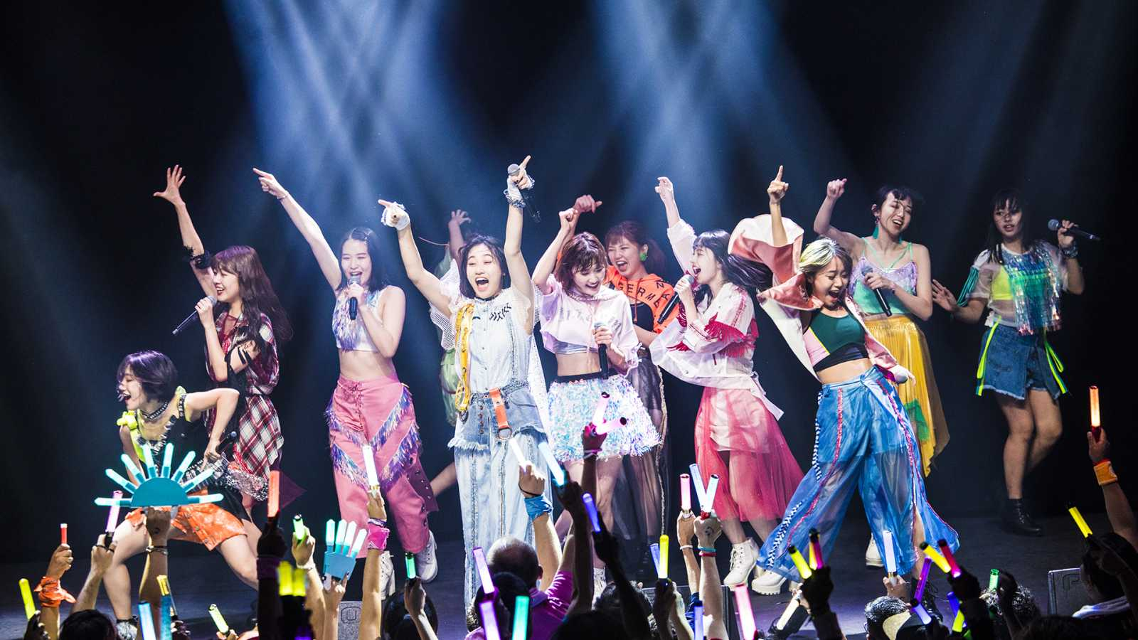 ANGERME en SALA Puebla, México  © UP-FRONT PROMOTION