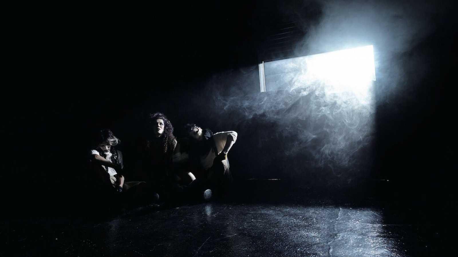 Новый мини-альбом cali≠gari © cali≠gari ALL RIGHTS RESERVED.