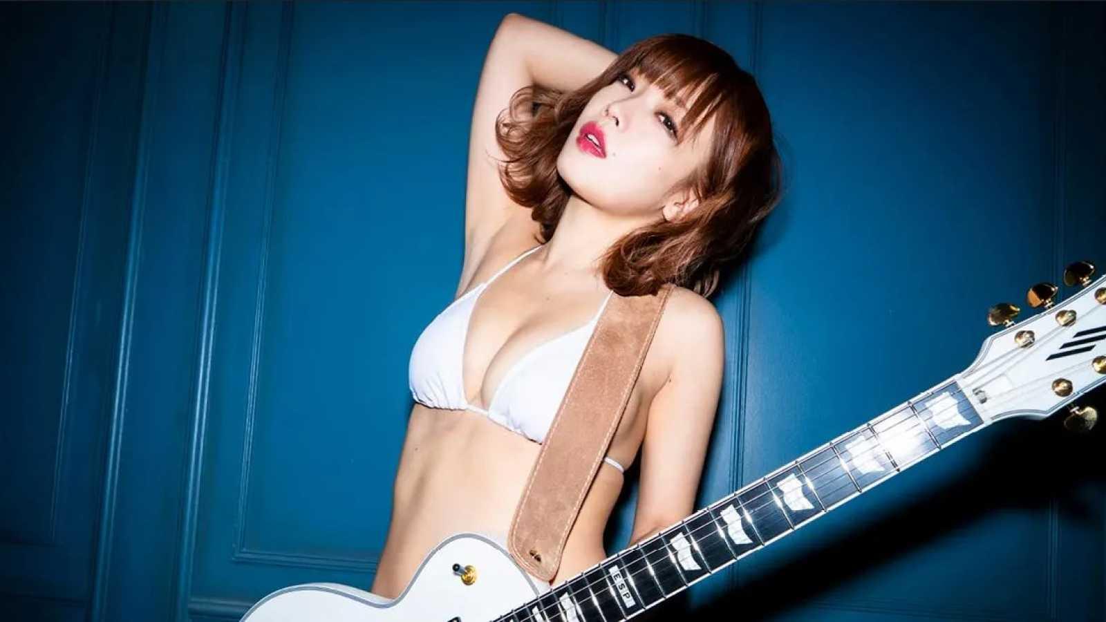 Solowy koncert Eny Fujity w Akasaka Navey Floor