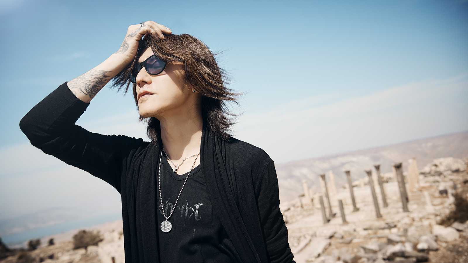 Entretien avec SUGIZO © SUGIZO. All rights reserved.