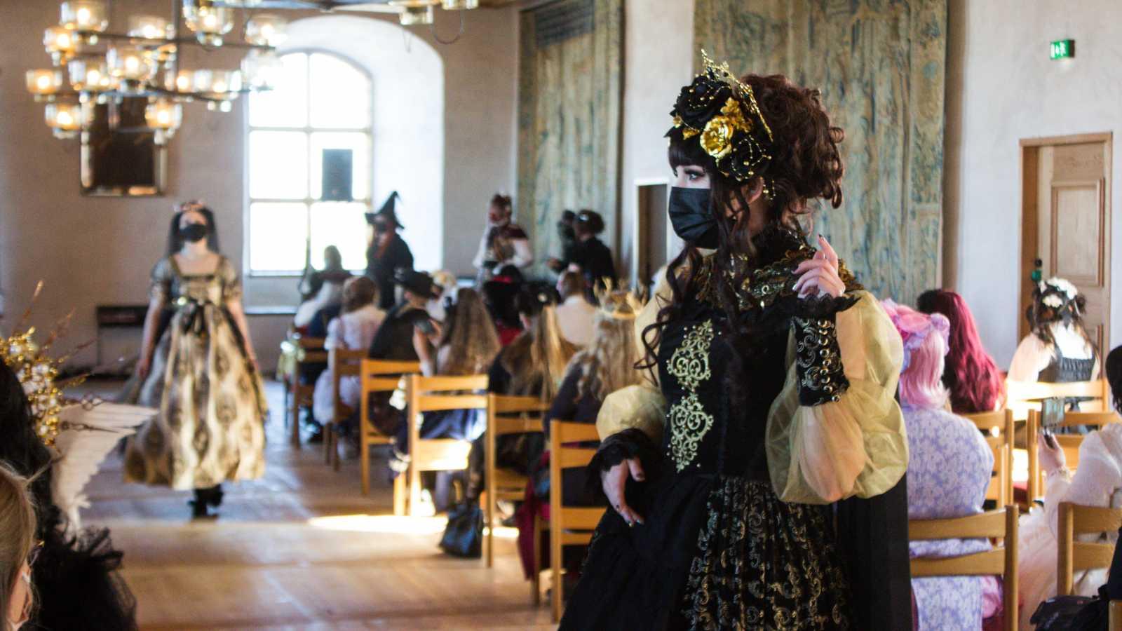 Kuvareportaasi: Domus Reginae -lolitamuotitapahtuma